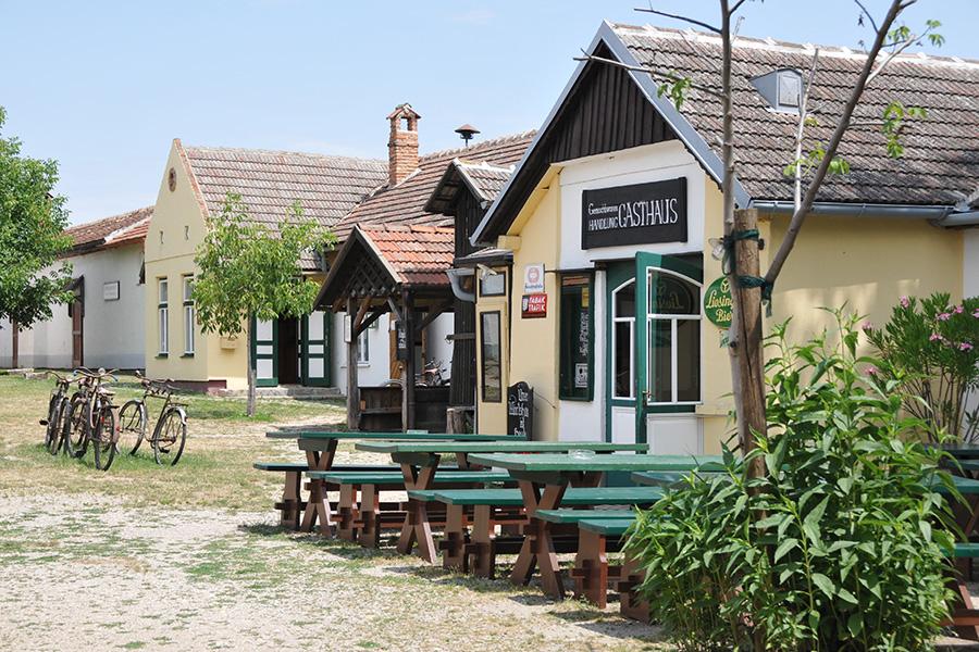 Gasthaus am Dorfplatz im Dorfmuseum Mönchhof