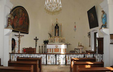 Innenraum der Kirche im Dorfmuseum Mönchhof