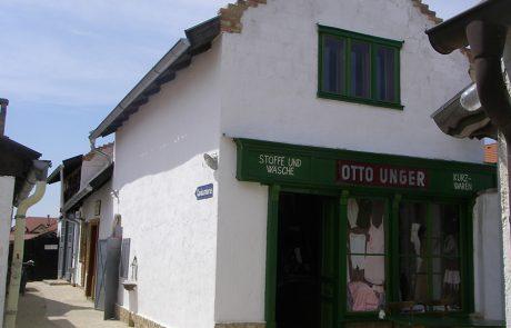 Stoffgeschäft im Dorfmuseum Mönchhof