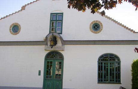 Eingang zum Dorfmuseum Mönchhof
