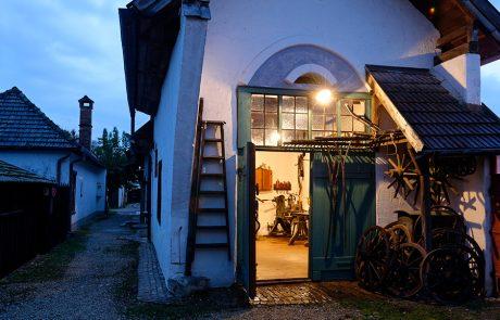 Abendstimmung im Dorfmuseum Mönchhof