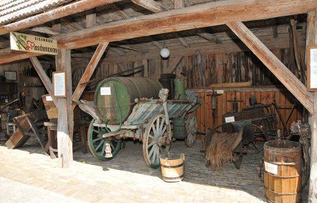 Fuhrwerk im Dorfmuseum Mönchhof